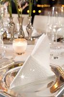 Luxusné obrúsky 40cm biele s trblietkami (50ks)